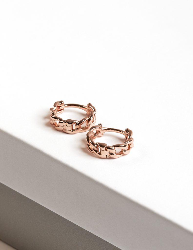 Callel Chain Huggie Hoop Earrings In Rose Gold