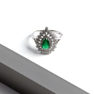 Callel Emerald Green Ring