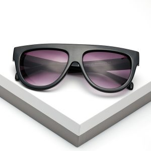 Callel Oversized Flat Top Sunglasses In Black