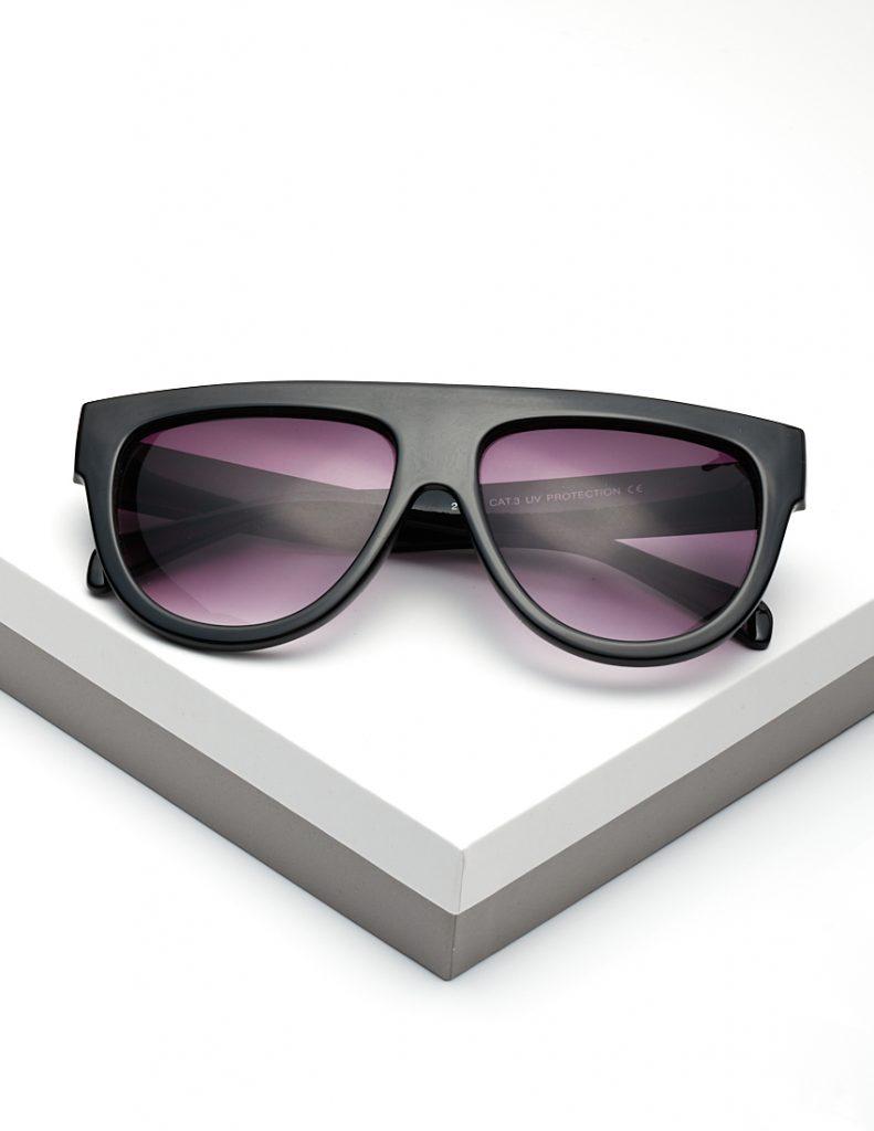 Callel Oversized Flat Top Sunglasses In Black