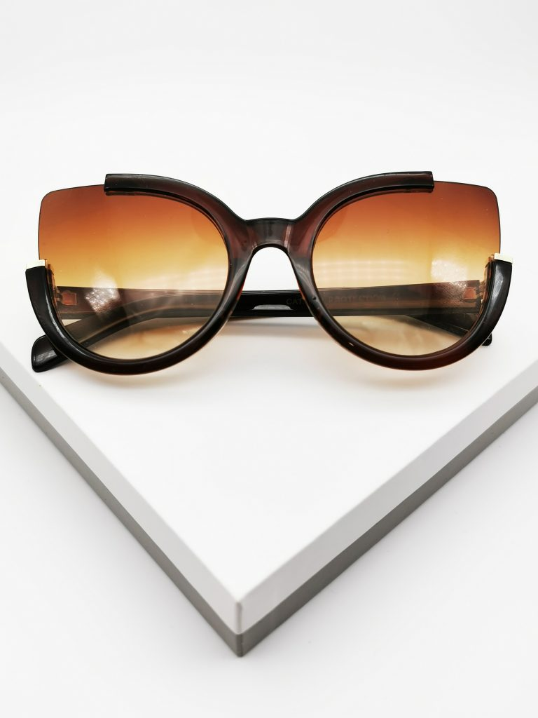 Callel Round Circle Brown Oversized Sunglasses