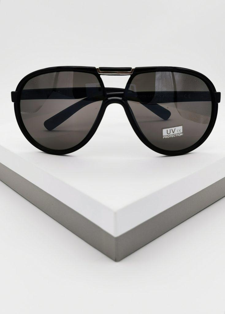 Callel Black Flat Top Oversized Sunglasses