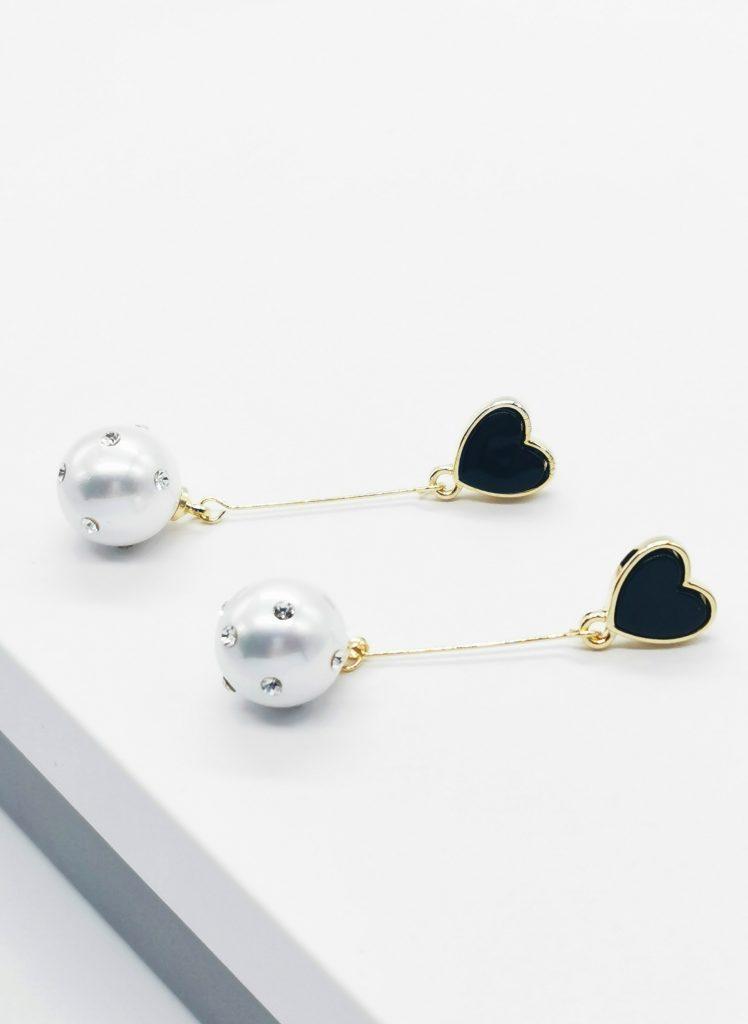Callel Long Drop Black Heart Stud Earrings