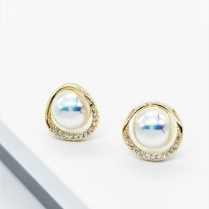 14K Gold Cubic Zirconia Pearl Stud Earrings
